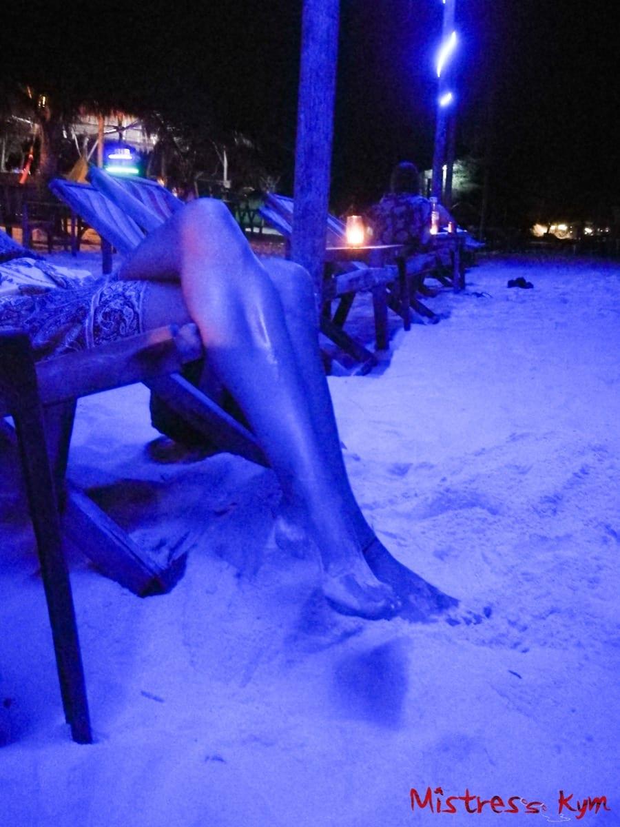 mistress kym legs in the evening mistresskym.com